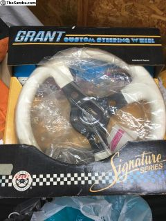 New vintage grant steering wheel