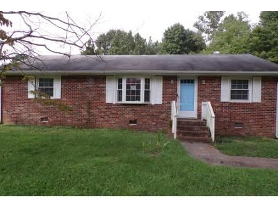 3 Bed 1.5 Bath Preforeclosure Property in Petersburg, VA 23805 - Amherst Dr