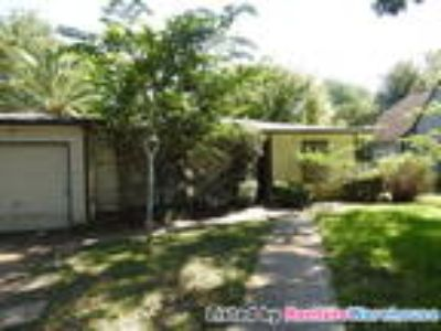 Cute Cottage Home for Lease!! Immediate Move In!!