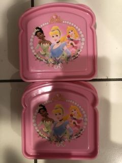 2 lil sandwich containers