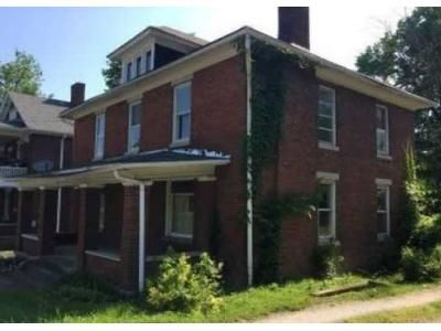 4 Bed 1 Bath Foreclosure Property in Danville, KY 40422 - N 3rd St
