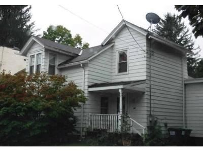 3 Bed 1.5 Bath Foreclosure Property in Hoosick Falls, NY 12090 - High St
