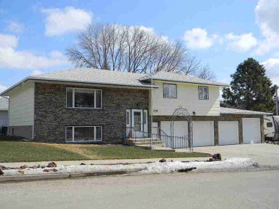 1729 22nd Street Bismarck Three BR, Does your wish list include a