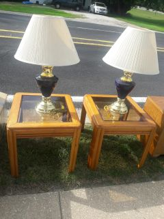 2 end tables and lamps