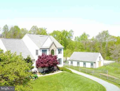 271 Hill Rd Elverson Four BR, Welcome to Peaceful Living in the