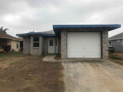 312 Leon CtS Laredo Three BR, Perfect construction project for