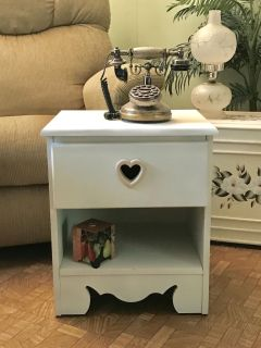 Cute Small Side Table Freshly painted. Off white. 19 tall by 16 wide