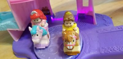 Little people clippity-clop horse stable