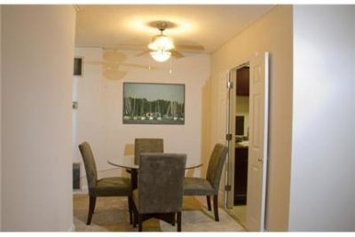 2 bedrooms Apartment - Charles Towers is centrally located on Baltimore s Historic Charles.