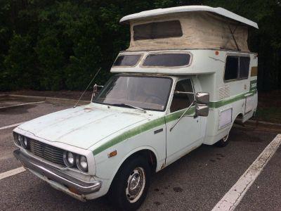 1976 Toyota Chinook (Hilux Truck) RV Pop-Top Camper