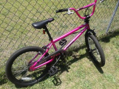 Pink mongoose 20-inch bicycle