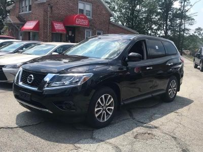 2015 Nissan Pathfinder S 4X4 4dr SUV (midyear release (Magnetic Black)