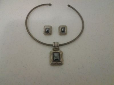 Smoked Gray Necklace & Earrings Set