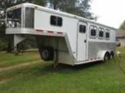 2000 Featherlite Horse Trailer