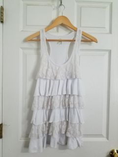 Cute White Laced Ruffled Tank Top Size 2X. Excellent Condition