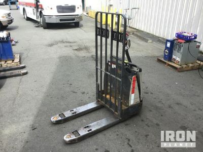 2008 (unverified) Crown Pallet Jack