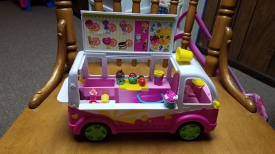 Shopkins ice cream truck