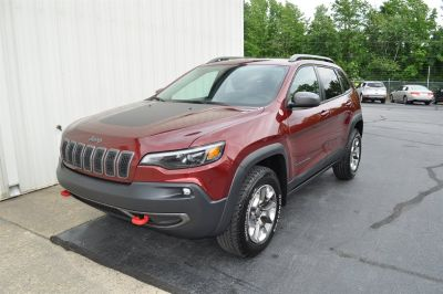 2019 Jeep Cherokee Trailhawk (Burgundy)