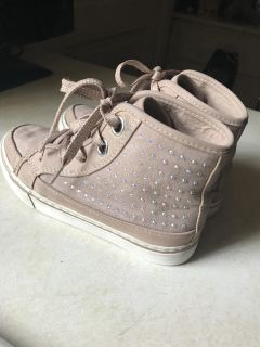 Little Girl s size 12 hi-top tennis shoes from The Children's Place .