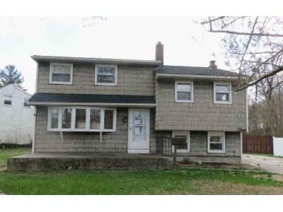 4 Bed 1 Bath Foreclosure Property in Pennsville, NJ 08070 - Paterson Ave