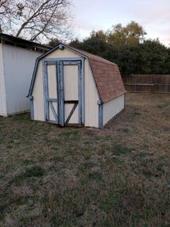 Free storage shed
