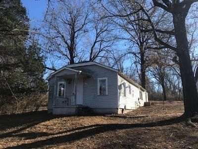 2 Bed 1 Bath Foreclosure Property in Kansas City, MO 64133 - E 47th St
