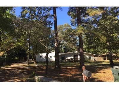 2.0 Bath Preforeclosure Property in Warner Robins, GA 31088 - Carterwoods Dr