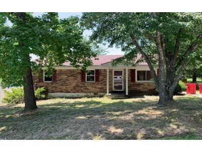 3 Bed 1 Bath Preforeclosure Property in Frankfort, KY 40601 - Creekstone Ct