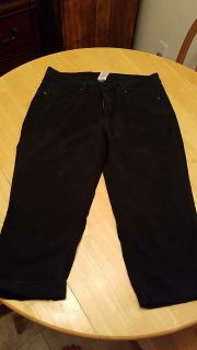 Size 14 faded glory crop pants POMS $ 4.00