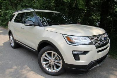 2018 Ford Explorer XLT (platinum)