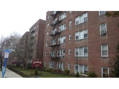 1 Bed 1 Bath Foreclosure Property in Yonkers, NY 10701 - N Broadway Apt 1j