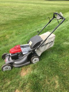 GREAT NEW STYLE HONDA HRX 217 MOWER WITH BAG SERVICE MANUAL READY TO WORK