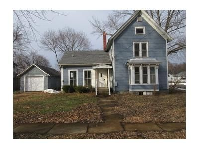 5 Bed 1.1 Bath Foreclosure Property in Belvidere, IL 61008 - E Lincoln Ave