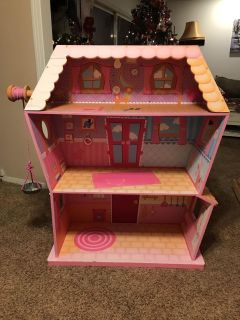 4 FEET TALL LALALOOPSY 3 STORY DOLLHOUSE FOR FULL SIZE DOLLS! OVERALL GREAT CONDITION BUT IS SUN FADED IN AREAS! RARE FIND!