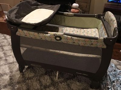 Graco pack n play in excellent condition gender neutral!