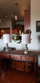 Table with matching lamps