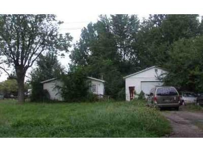 3 Bed 2 Bath Foreclosure Property in Lima, OH 45801 - E Robb Ave