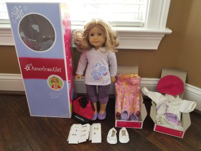 AMERICAN GIRL DOLL Look Alike Doll + Extra Outfits