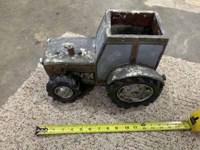 TRACTOR FLOWER POT (pottery material heavy)
