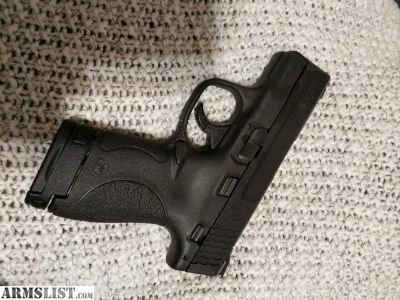 For Sale: Smith and Wesson M&P Shield 40