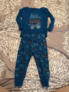 Old navy size12-18 months
