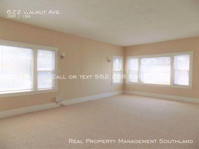 Spacious upper 3bedroom+1bath unit in heart of Long Beach