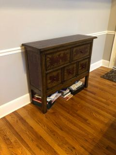 Decorative side table. Good condition.