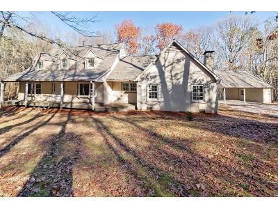 4 Bed 3 Bath Foreclosure Property in Powder Springs, GA 30127 - Cook Rd