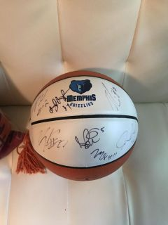 Basketball signed by 7 Memphis Grizzlies