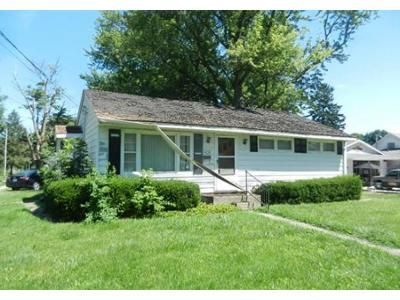 3 Bed 1 Bath Foreclosure Property in Cambridge, IL 61238 - E Illinois St