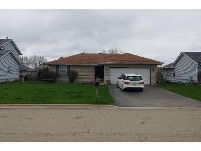 3 Bed 2 Bath Foreclosure Property in Genoa, IL 60135 - Redwood Ct