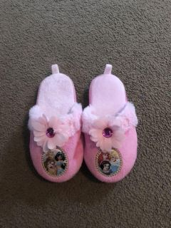Pink princess house slippers size 9/10