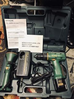 Cordless Drill and Flash light Tool Set in Case. HITACHI charges up fast & hard! Great set with Case, charger and original instructions
