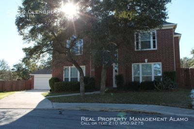 Spacious 4 bedroom 3.5 3145 sqft home in gated Trinity Oaks-281 North area